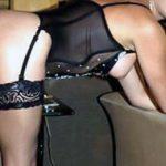 Scopamica da Milano attende rinforzi per sesso anale trio